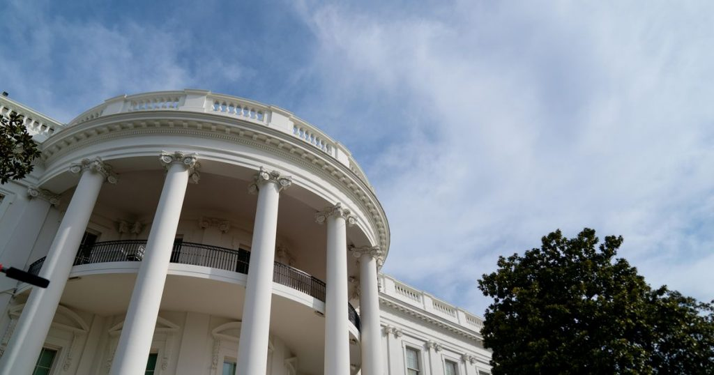 Apple, Google, Amazon CEOs head to White House today for cybersecurity meeting